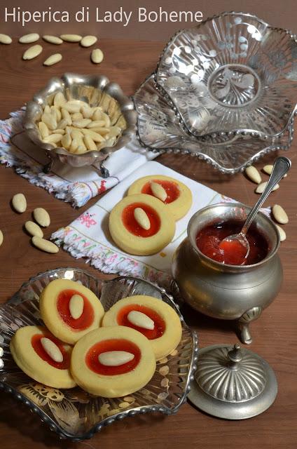 hiperica_lady_boheme_blog_di_cucina_ricette_gustose_facili_veloci_dolci_ciambelline_alla_marmellata_1
