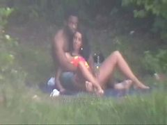 Casal a Vontade no Parque