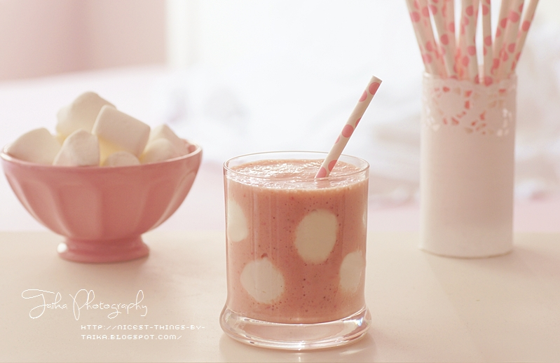 Polka Dot Milkshake Milkshake mit Punkten aus Marshmallows