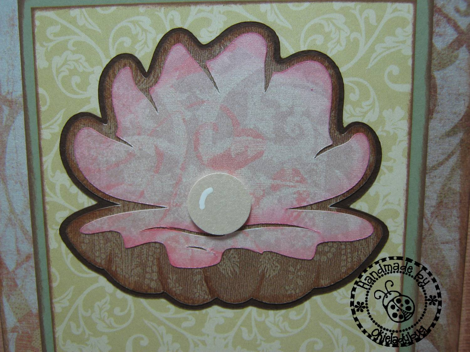 Cricut Sea Shell http://www.okieladybug.com/2011/11/sympathy-card-seashell-theme.html