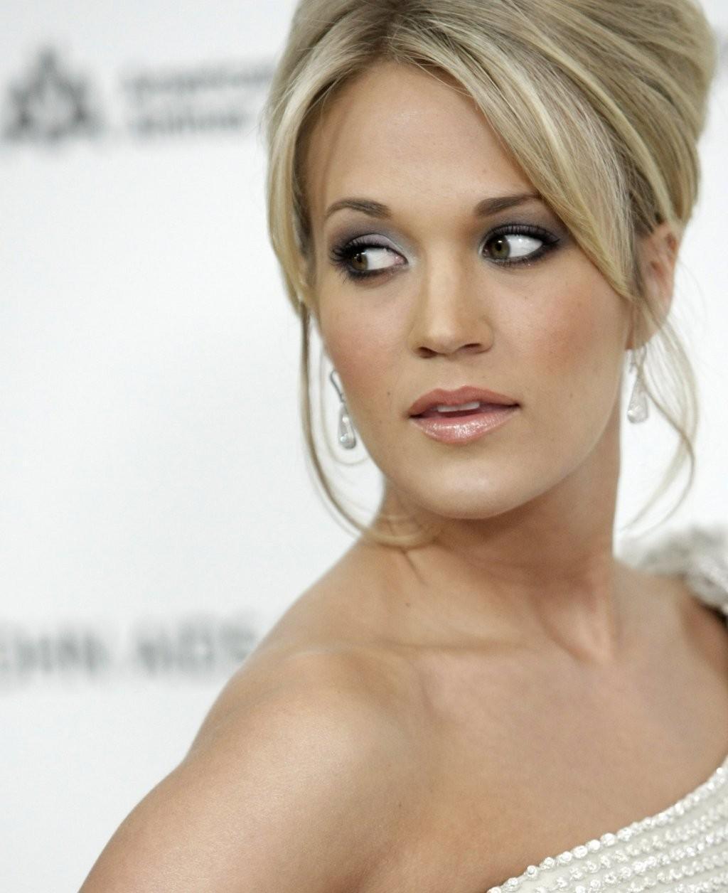 Carrie Underwood Carrie Underwood Swimsuit