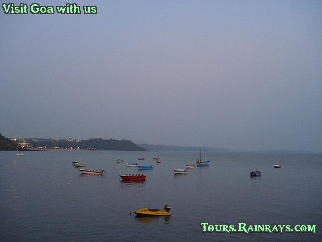 Best Dona Paula Beach, Goa India. India Tour Operator, India travel agent, Indian Holiday Planner