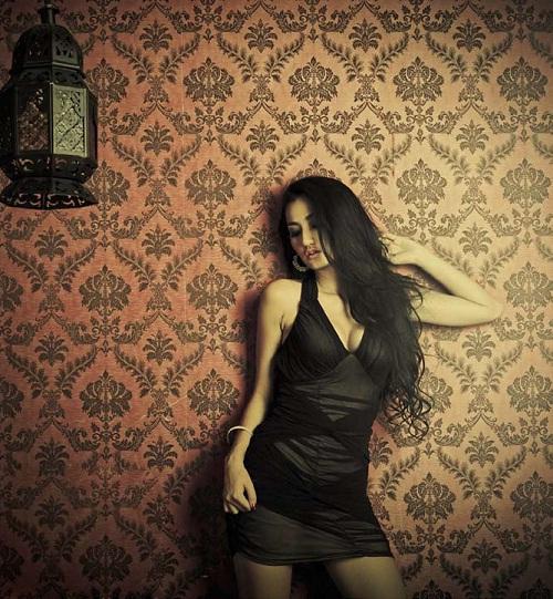 Foto Hot Tengku Dewi Majalah Male