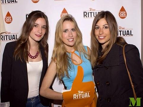 Azafata de imagen de ron ritual en Zaragoza con la agencia de marketing y azafatas Makoondo Marketing