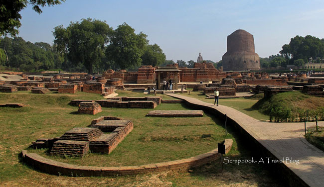 Dhamekh Stupa at Sarnath Buddhist ruins