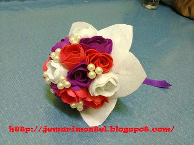 bunga tangan felt ros