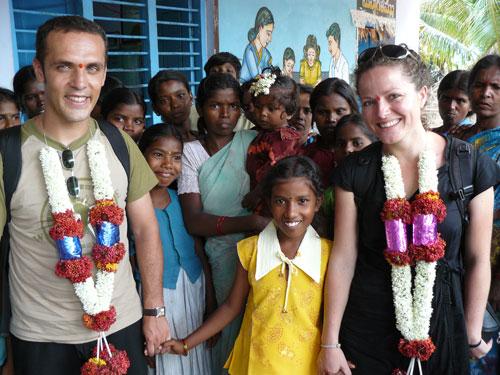 Xavier Molins y Carme Corretgé en un viaje por la India