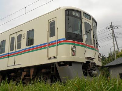 秩父線寄居駅付近で折り返す4000系