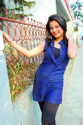 http://1.bp.blogspot.com/--Jn3s6A6WpI/TWgb2DjMWYI/AAAAAAAACLw/eJe7t9qCK-8/s1600/Bangladeshi+Sexy+And+Hot+Celebrity+Actress+Sarika%2527s+Pics.jpg