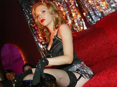 Scarlett Johansson Hollywood Actress lips Wallpaper
