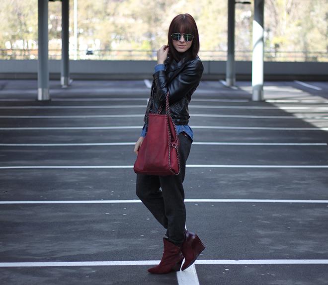 outfit trend fashionblogger herbstoutfit winteroutfit tartan kariert bershka jeansbluse hm lederjacke baggyhose zara supertrash boots bordeaux tasche falabella 02