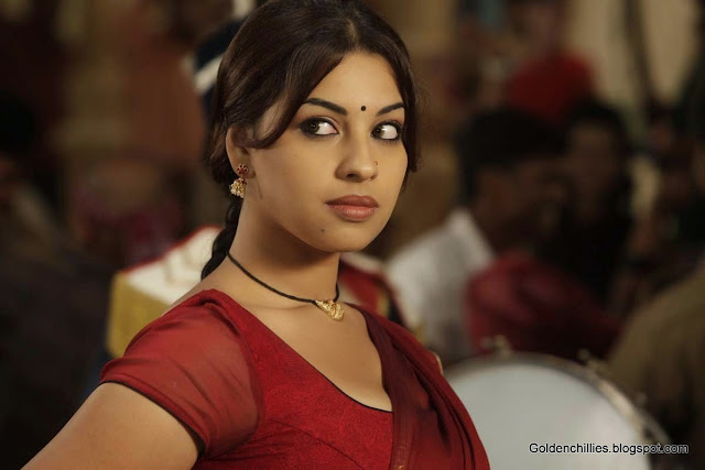Richa gangopadhyay navel show wallpapers