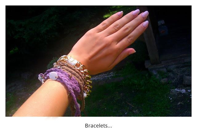 złota bransoletka, rzemyki, charmsy, bracelet