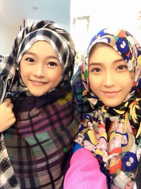 Ayen (Rona Anggraeni) dan Naomi Team K JKT48 Member Pake Jilbab