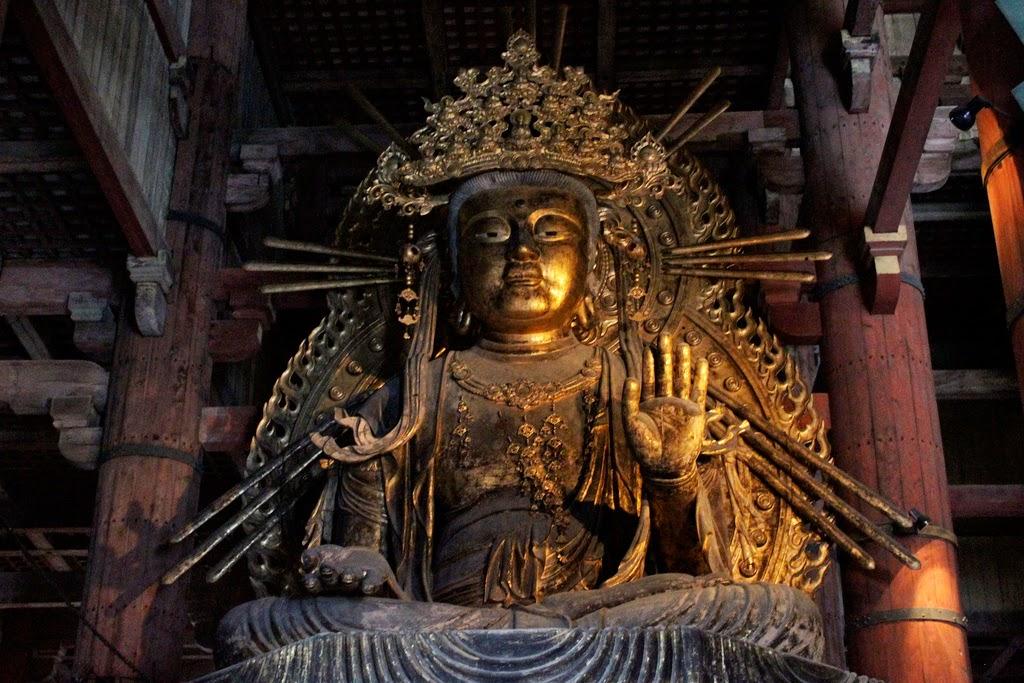 Diferenciando templos budistas y santuarios shintostas en Japn