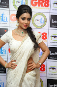 Shriya Saran latest pics at Gr8 Women Awards-thumbnail-13