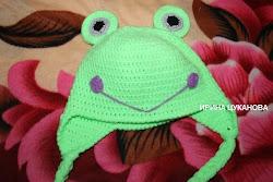Зверошапка-лягушка крючком