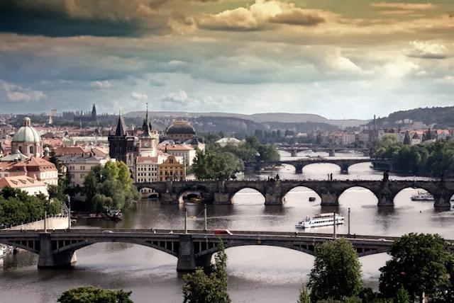 Genial panorámica de Praga