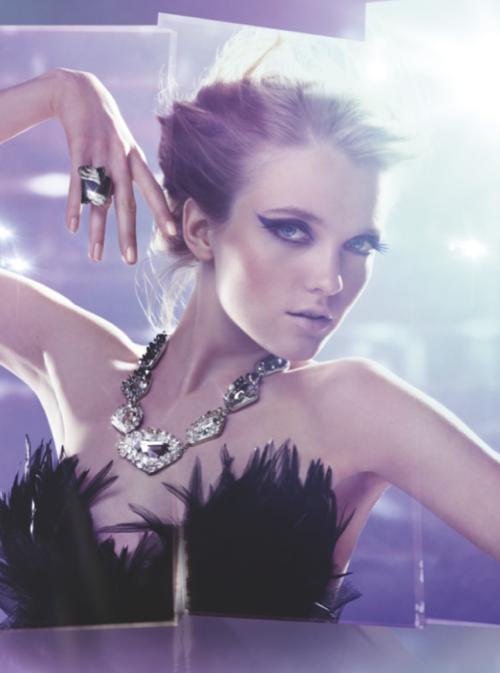 http://1.bp.blogspot.com/--Lb5SnmTU1k/TeIZq-cNQ-I/AAAAAAAAFI4/MlVK3aYVdLI/s1600/swarovski_wings_of_fantasy_ad_campaign_advertising_fall_winer_2011.png