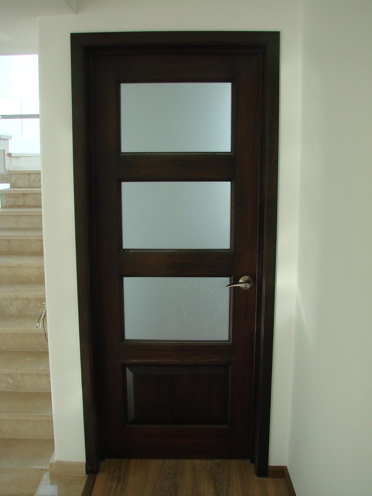 Cocinas integrales vestidores closets etc puertas en - Colores de puertas de madera ...