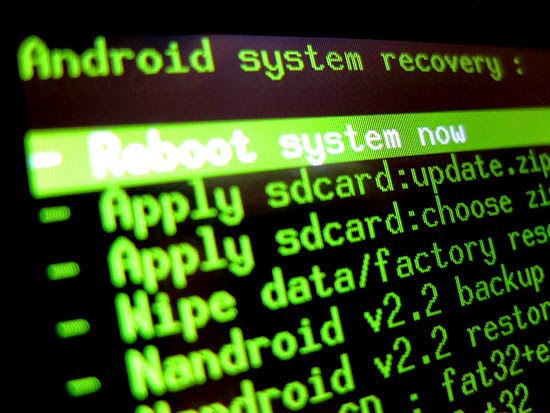 How to install Clock Work Mod Recovery to your HTC HD2 using MAGLDR