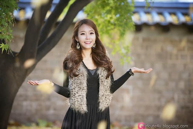 1 Beautiful Lee Da Hee outdoors - very cute asian girl-girlcute4u.blogspot.com