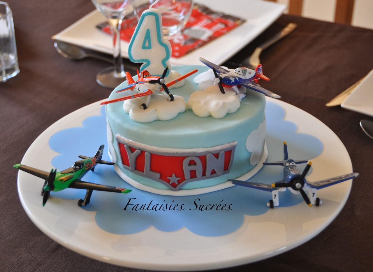 G teau d 39 anniversaire planes planes birthday cake 3d for Realiser cuisine 3d