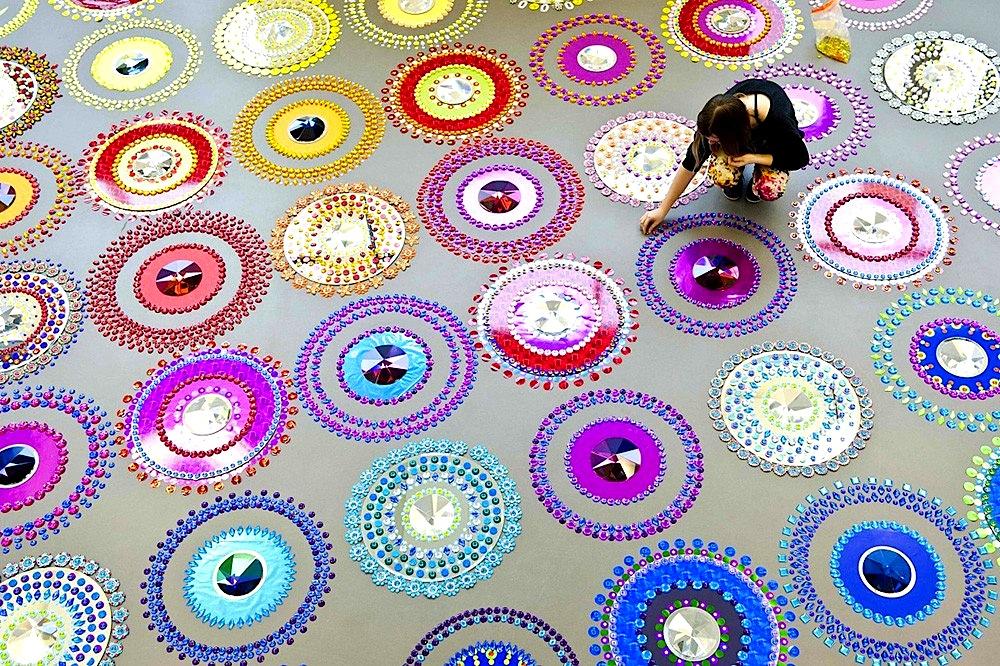 EL COLOR COMUNICA Mandalas de Luz y Color para el Alma