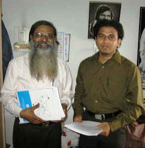 Mr Zahoorullah S MD along with his guru Dr P J Sudhakar IIS ADG AIR and 100 degrees record holder