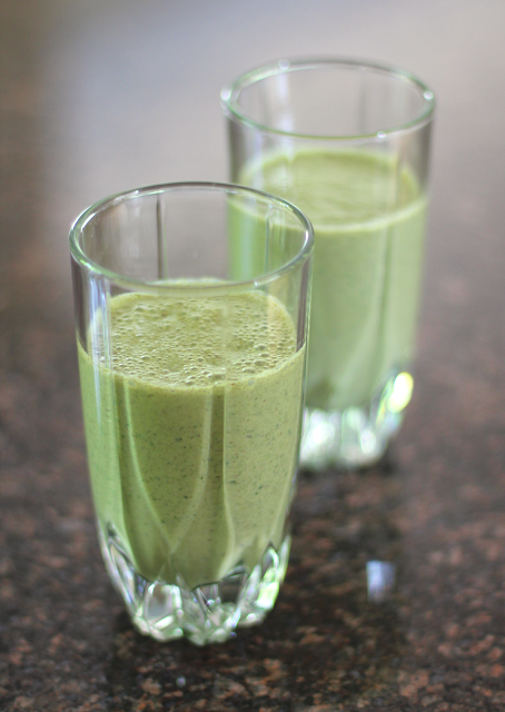 Healthy Green Monster Smoothie