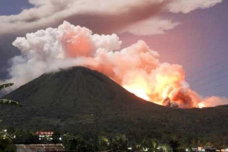 Indonesie, nouvelle crise éruptive du lokon-empung ce vendredi matin
