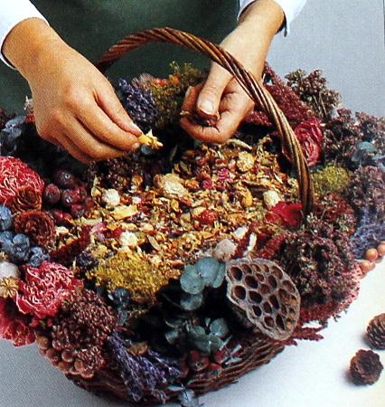 Decoracion con flores secas canasta floral - Flores secas decoracion ...
