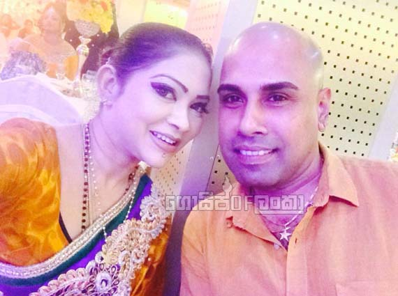 Facebook reveals singers Ajitha Muthukumarana and K. Sujeewa affair