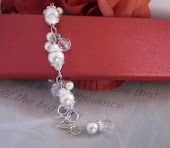 Dainty Cluster Pearl Bridal Bracelet