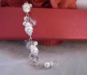Dainty Cluster Pearl Bridal Bracelet