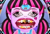 Monster High Baby Draculaura at the Dentist