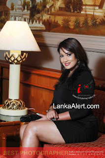 Piumi Shanika hot thighs
