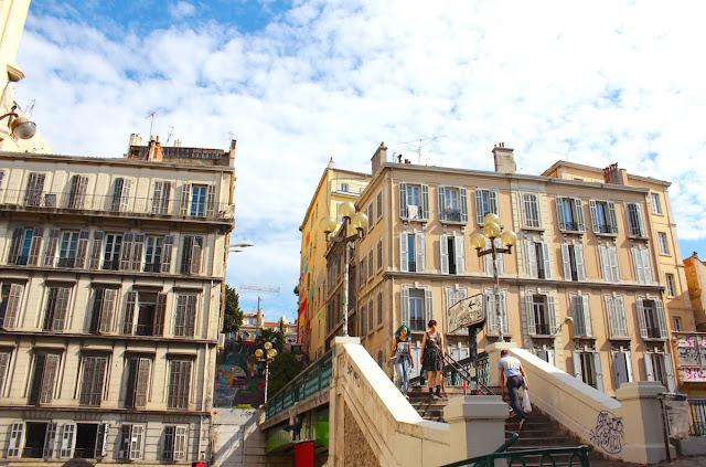 Salendo a Notre-Dame du Mont - foto di Elisa Chicana Hoshi