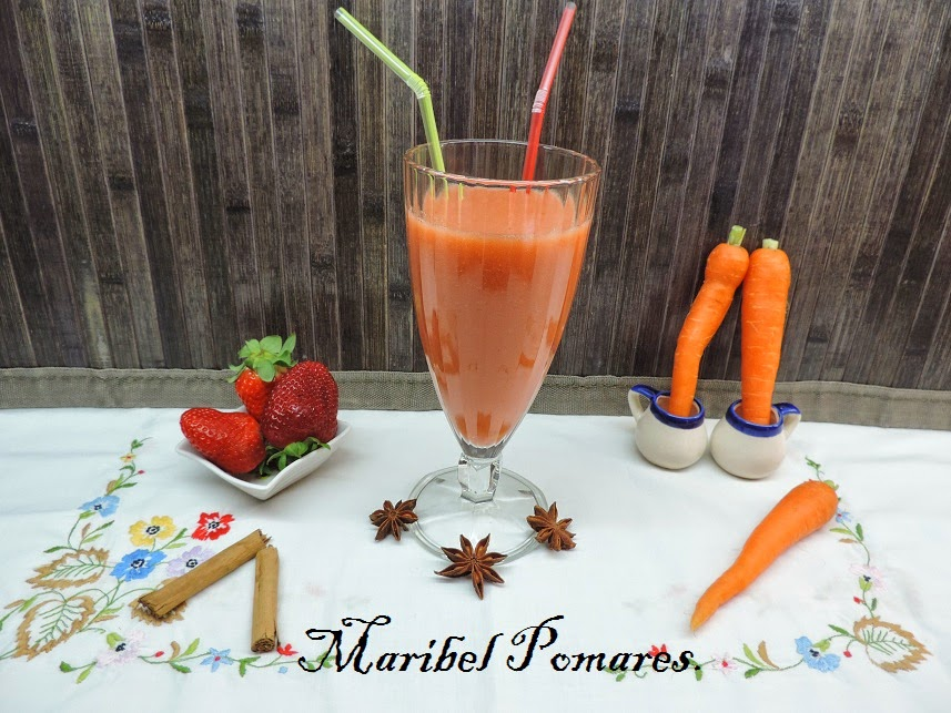 Zumo de fresa, zanahoria y canela.