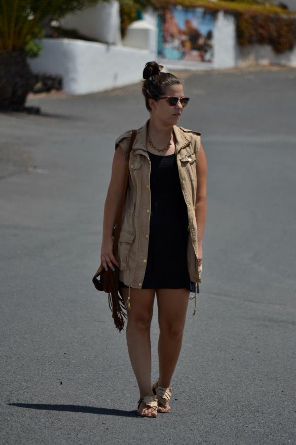 Look_Outfit_Chaleco_Safari_Bolso_Flecos_Primark_Collar_eBay_Nudelolablog_01
