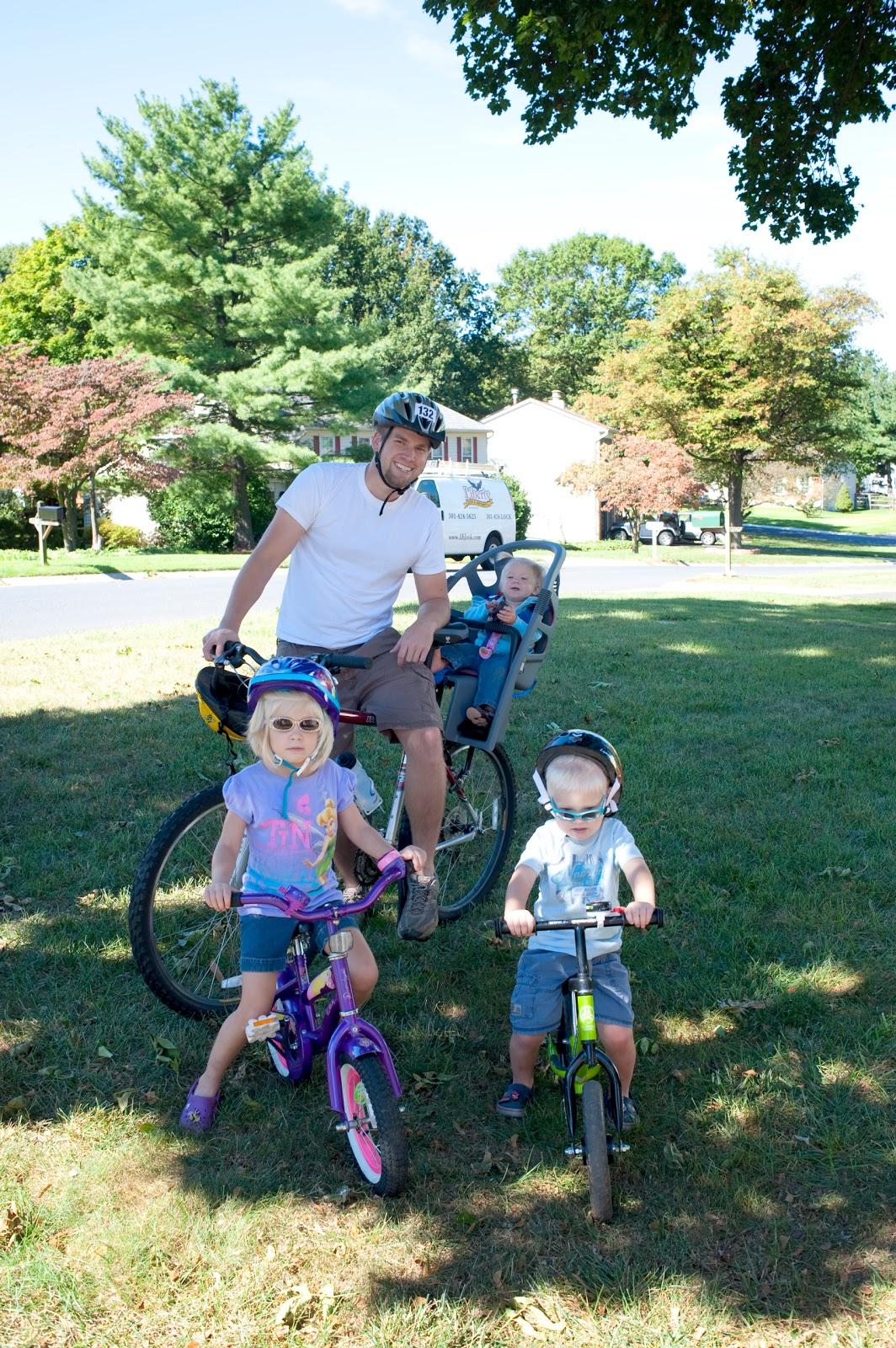 The Glenns: Family Bike Ride