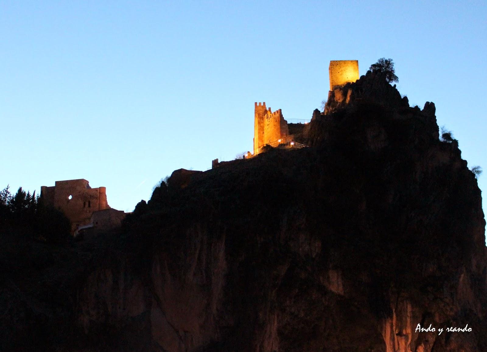Castillo de la Iruela de noche
