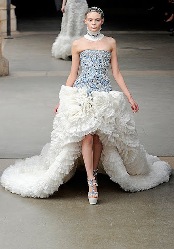 разкошна сватбена рокля Alexander McQueen