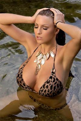 Jordan Carver in Leopard Print Bikini