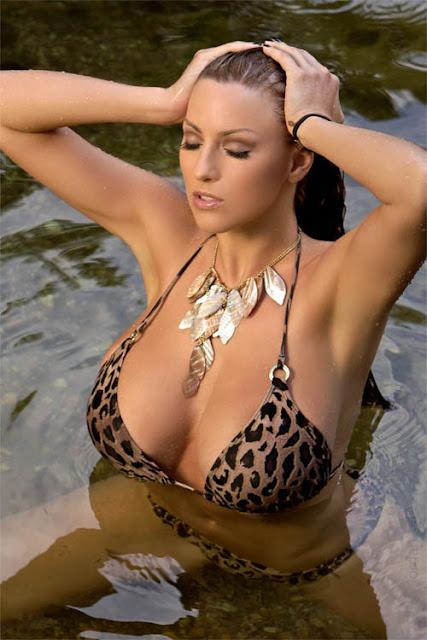 Woman hot bikini models jordan carver in leopard print bikini pics