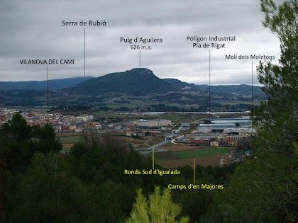 Vistes panoràmiques de Vilanova del Camí i del Puig d'Aguilera i la Serra de Rubió al seu darrere