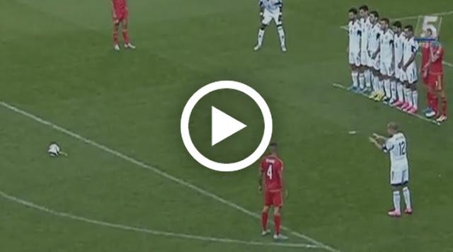 VIDÉO. Il jette un sort à Gareth Bale pour qu'il rate son coup franc