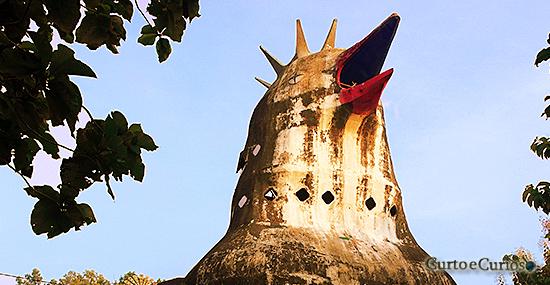 Igreja da galinha: Chiken Church' é o templo mais estranho que você já viu