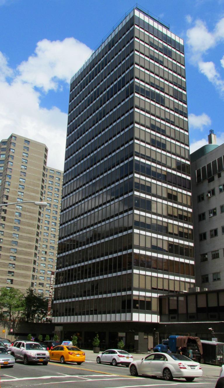 Midtown Blogger Manhattan Valley Follies Bentley Hotel