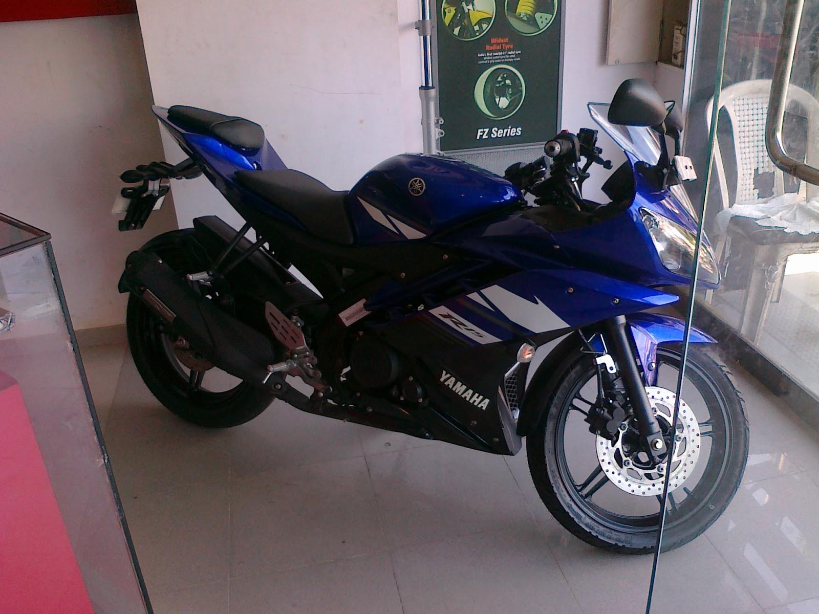 http://1.bp.blogspot.com/--OejBhkr_Tc/TnswRwAEaZI/AAAAAAAABd4/Di-GckWP8ag/s1600/Yamaha+R15+V2.0.jpg